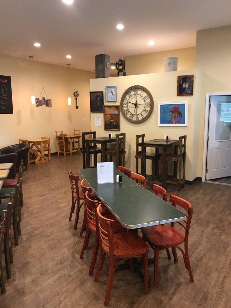 Hebrewz Coffeehouse: 300 W Broad St, Jonesboro, IL