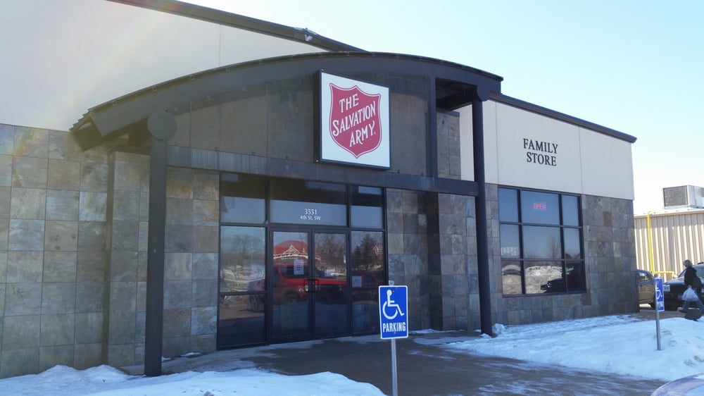 The Salvation Army Family Store: 3551 4th St SW, Mason City, IA