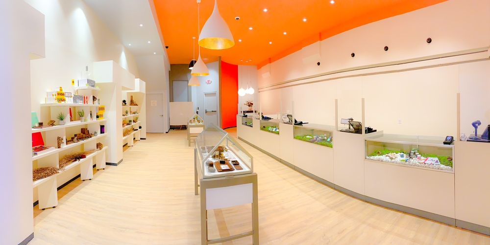 Calyx Berkshire Dispensary: 307 Main St, Great Barrington, MA