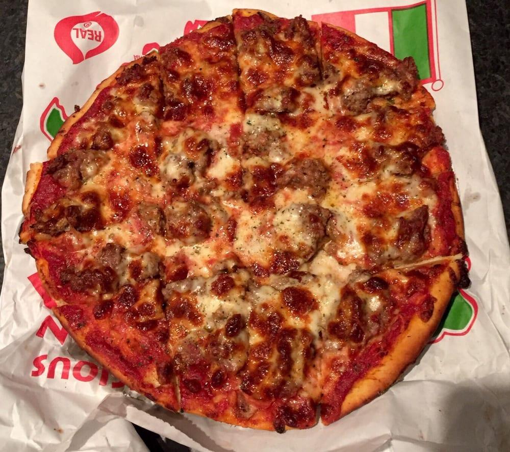 Phil's Pizza: 1102 W 35th St, Chicago, IL