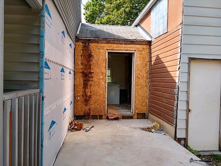 Freeman Construction: 2408 N Duncan Rd, Champaign, IL