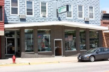 Pardeeville Hometown Pharmacy: 135 N Main St, Pardeeville, WI