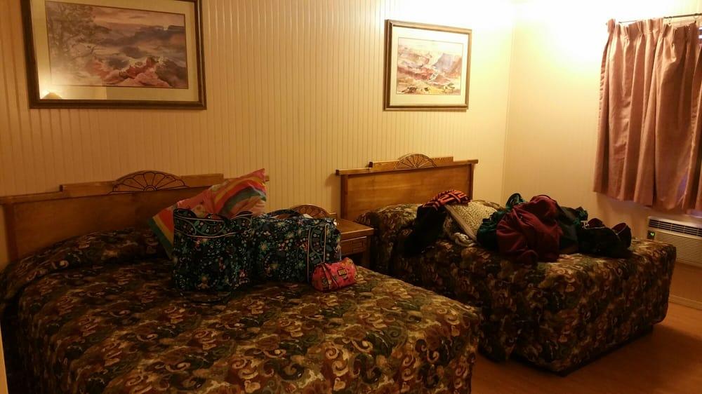 Dine Inn Motel: 322 Hwy 160, Tuba City, AZ