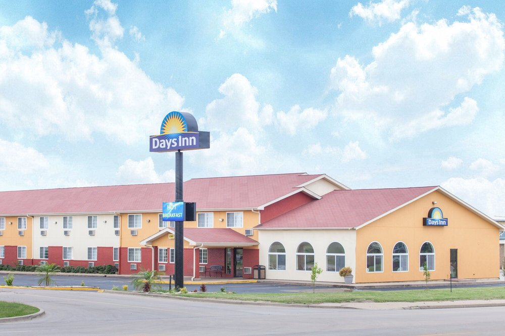 Days Inn by Wyndham Miami: 2120 East Steve Owens Blvd, Miami, OK