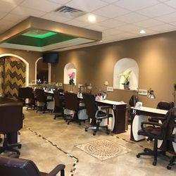 Royal Oaks Nails 148 Photos 119 Reviews Nail Salons 208 W