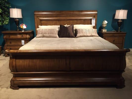 Hurwitz Mintz Finest Furniture South 1751 Airline Dr Metairie LA