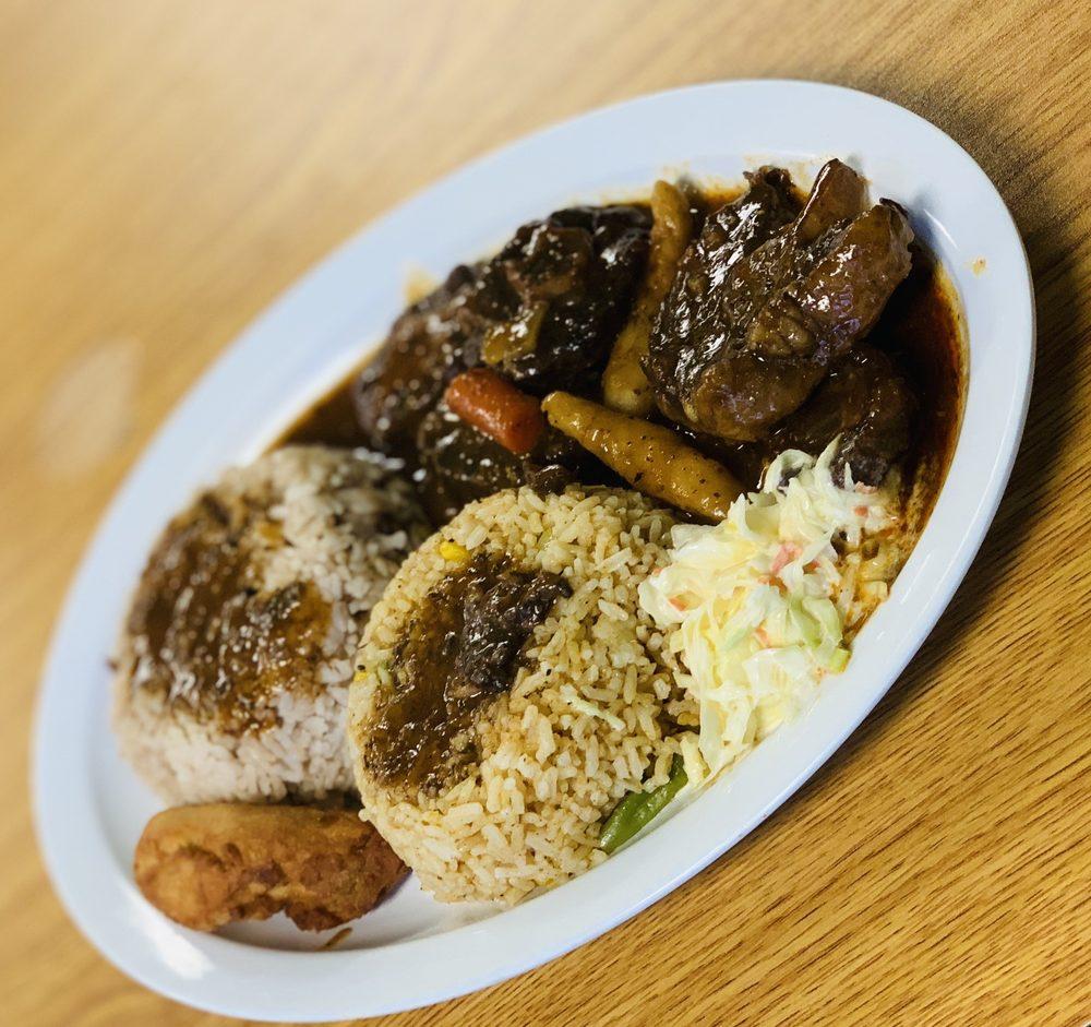 Taste 876 Jamaica: 114 Myrtle St, Davenport, IA