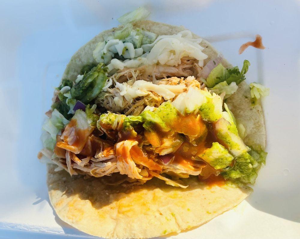 Swell Taco: 135 Deer Park Ave, Babylon, NY