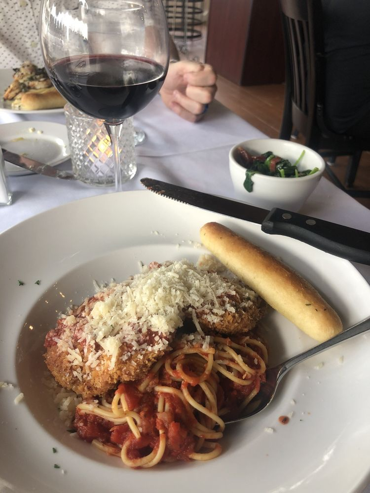 Castelluccio Fine Italian Dining: 107 Main St, Alexander City, AL