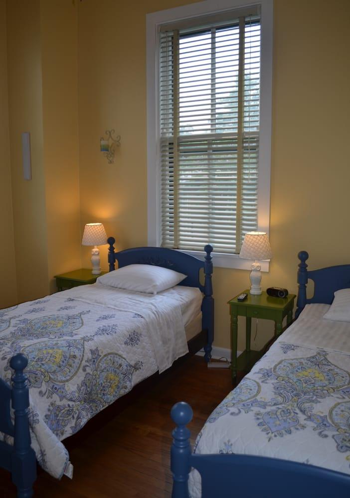 Battleview Bed and Breakfast: 309 Barnhardt Cir, Fort Oglethorpe, GA