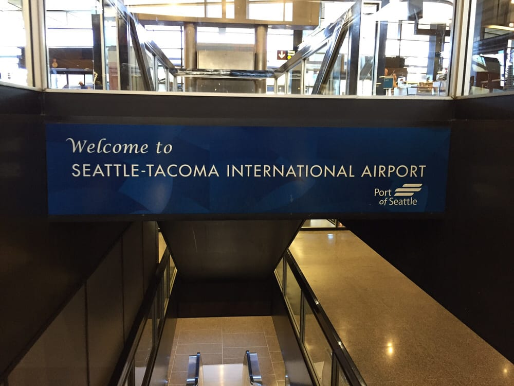 Photo of Seattle-Tacoma International Airport - Seattle, WA, United States. On the way down to baggage...