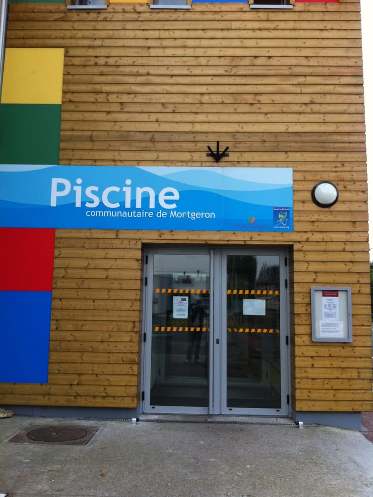 Piscine de montgeron swimming pools 2 avenue de la for Piscine montgeron