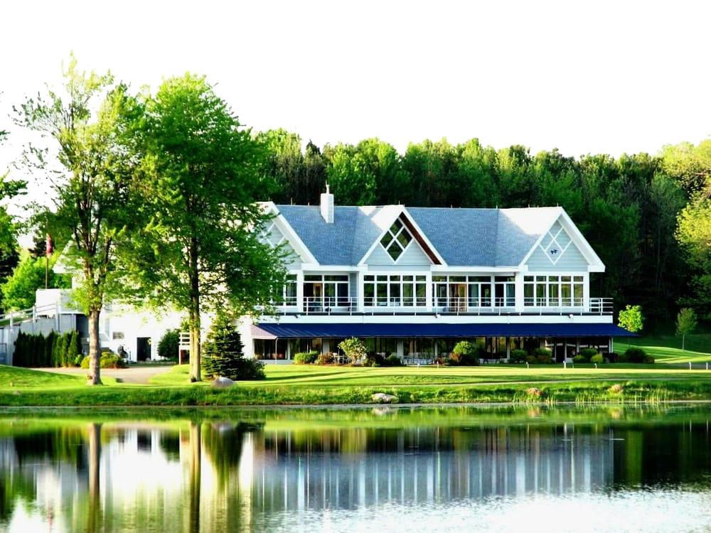 The Gananda Pub at Blue Heron Hills: 1 Country Club Dr, Macedon, NY
