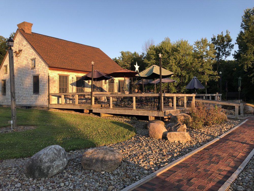 Greene Eagle Winery: 2576 Davis Peck Rd, Cortland, OH