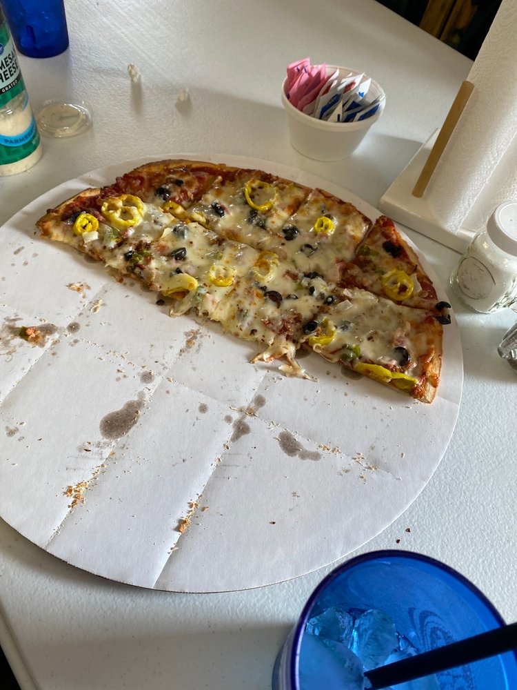 Mike's Pizza: 6404 N Sunset Blvd, Macy, IN