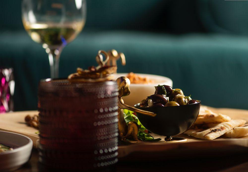 Gastronomic Lounge: 18161 Biscayne Blvd, Aventura, FL