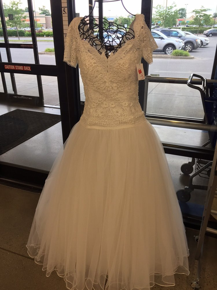 Nice Wedding Dress It Probably Has A Great Story Yelp
