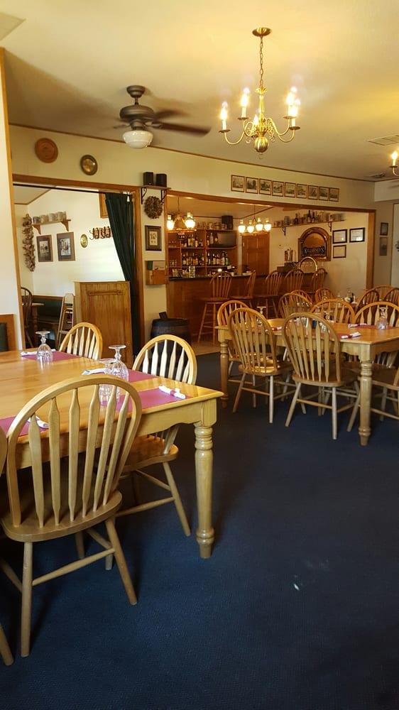 Hillside Stables Restaurant: 1412 Hwy 67, Sabula, IA