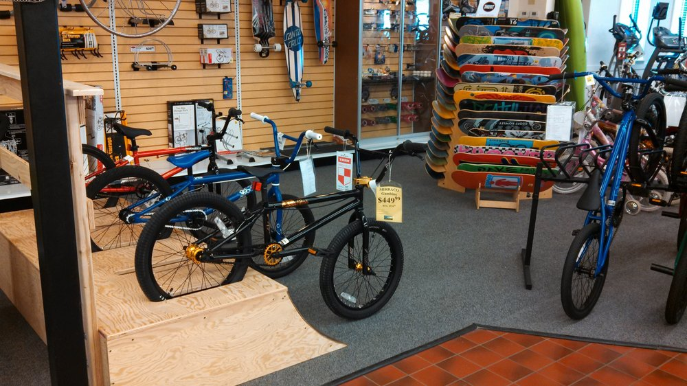 Ace Bike and Fitness: 2404 Broadway Ave, Yankton, SD