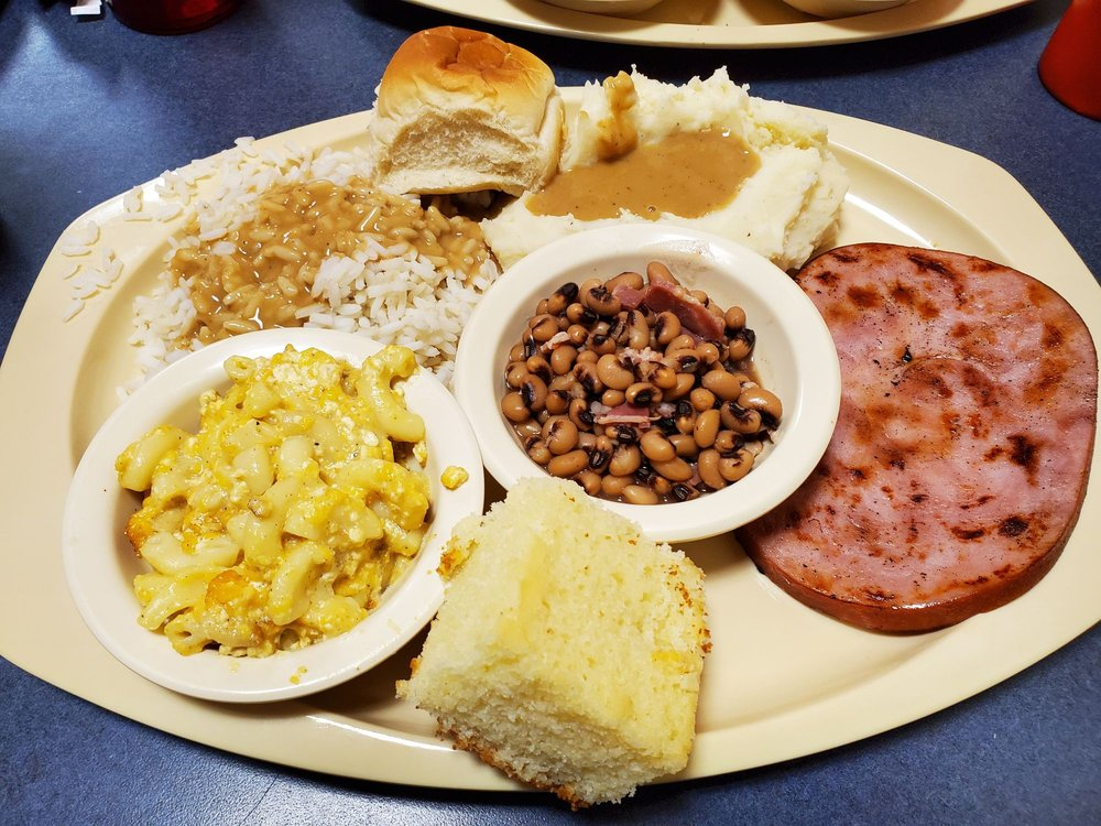 Paw's Diner: 10920 Clemson Blvd, Seneca, SC