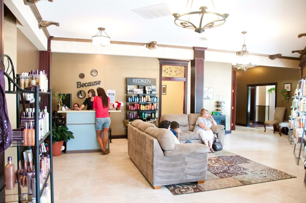 Bellissimo Hair Salon & Spa: 1120 Mississippi Ave, Lynn Haven, FL