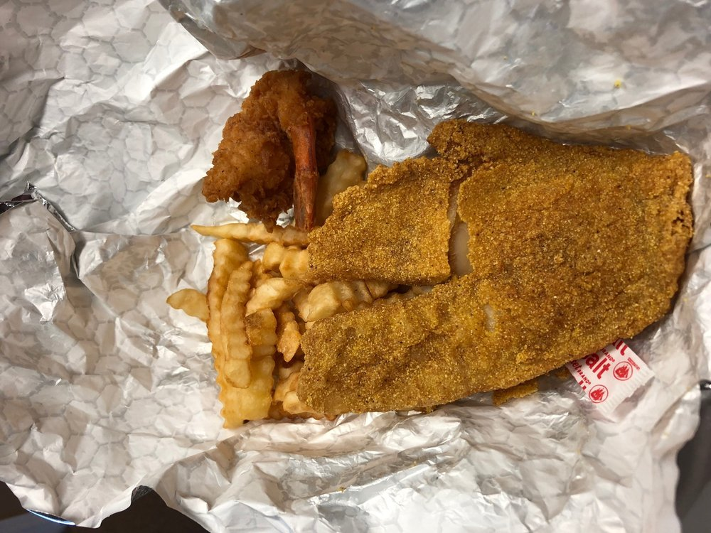 Morrell's Fish & Chicken: 1024 W Delphi Ave, Marion, IN