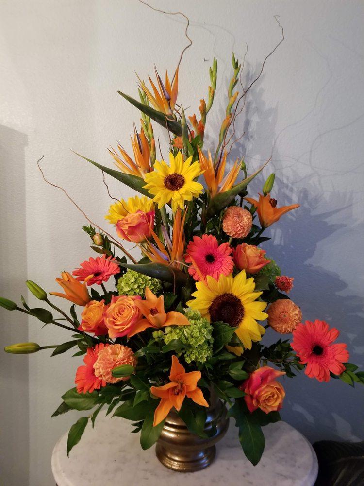 Ann Marie's Custom Floral: 232 W Maya Dr, Litchfield Park, AZ
