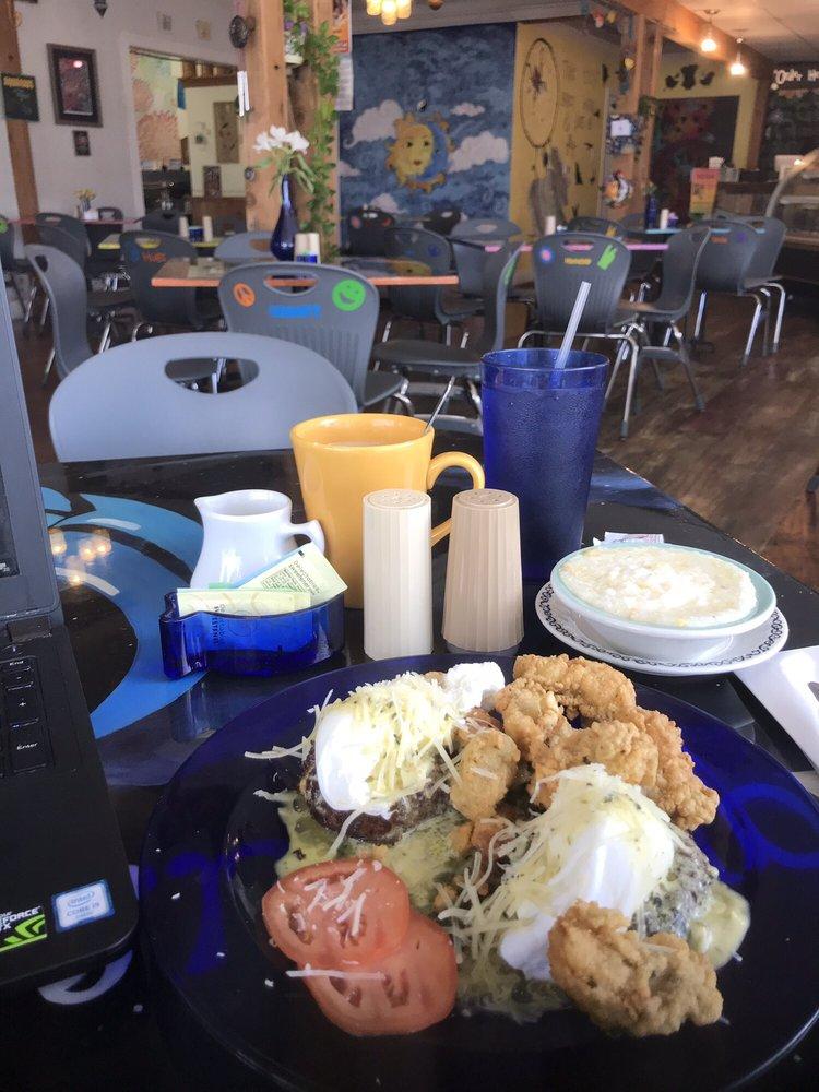 Cafe Aquarius: 2101 Paris Rd, Chalmette, LA