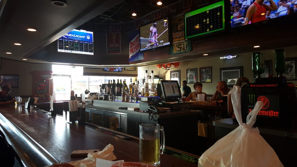 Legends Sports Pub & Grille: 7617 Dayton Springfield Rd, Fairborn, OH