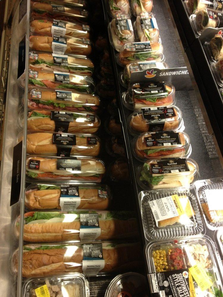 Martin's Food Market: 1015 Richmond Ave, Staunton, VA