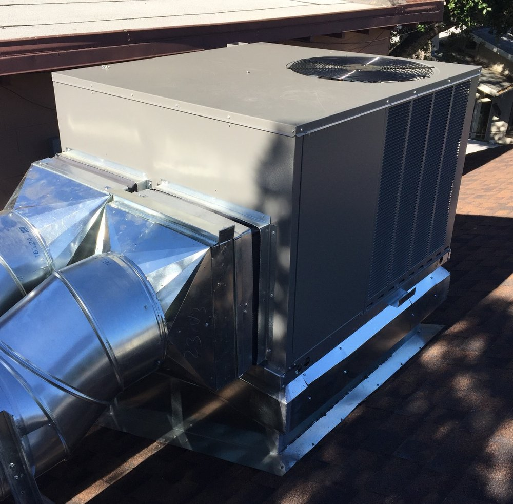 Rooftop Units Duct : Residential ruud package unit with flex duct connectors
