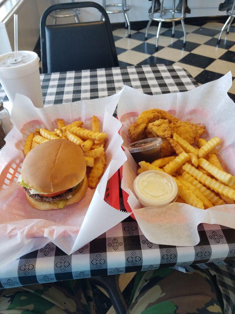 Pleasant Grove Diner: 833 Park Rd, Pleasant Grove, AL