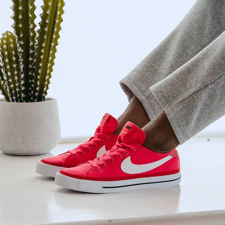 Famous Footwear Outlet: 216 Skidmore Ln, Sutton, WV