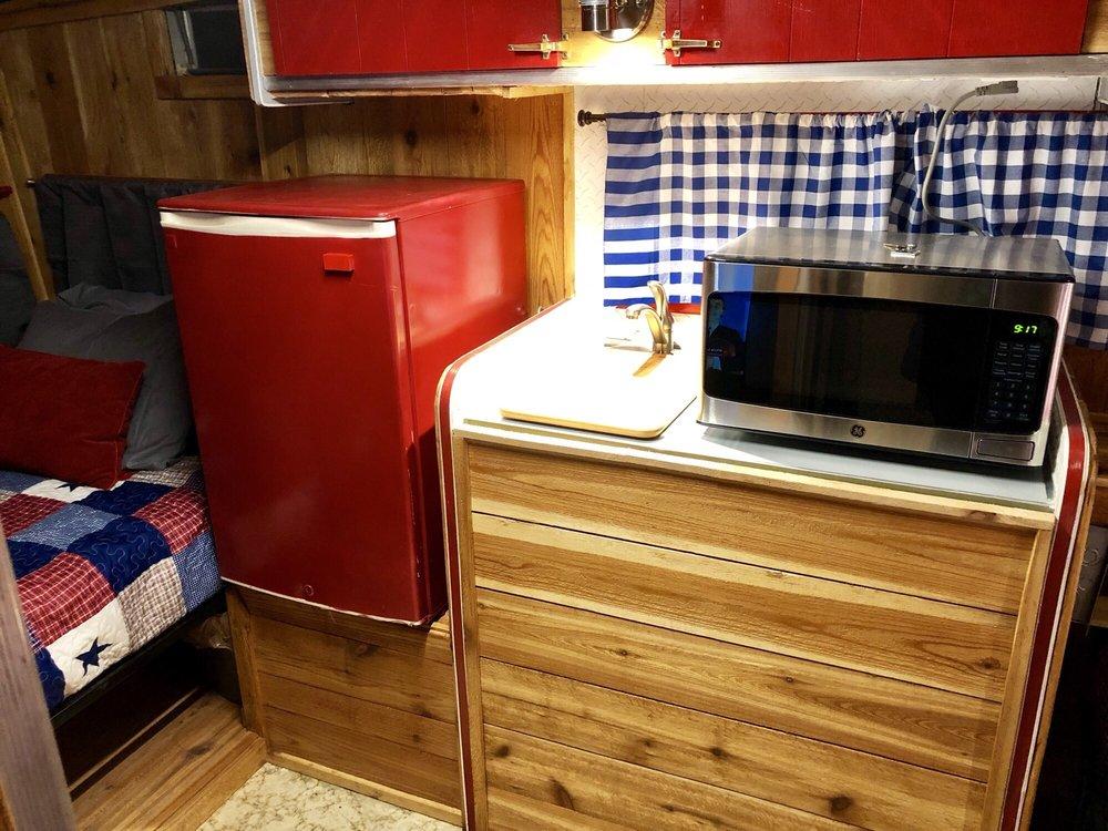 Vara Guest House Lodging, Cabin Rentals, RV Park: 341 N Gold St, Garden City, TX