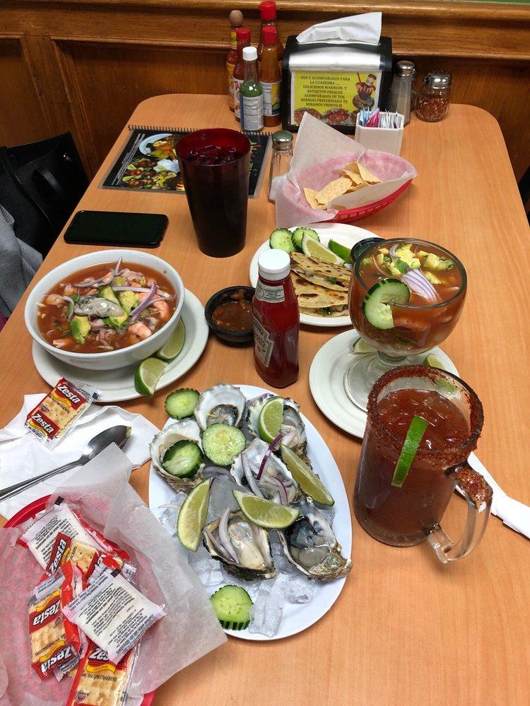 Mariscos El Puerto & Mexican Food: 2012 Riverside Ave, Rialto, CA