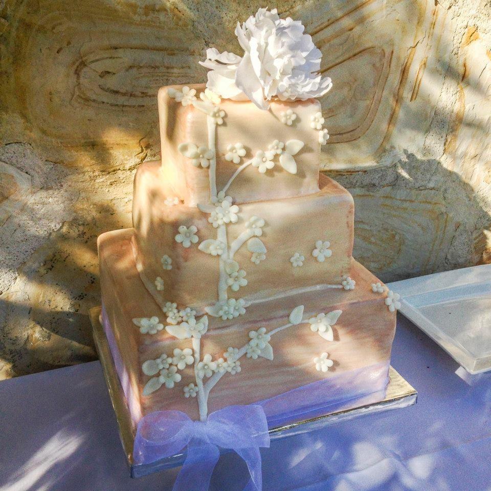 Cakes by Veronica: Aptos, CA