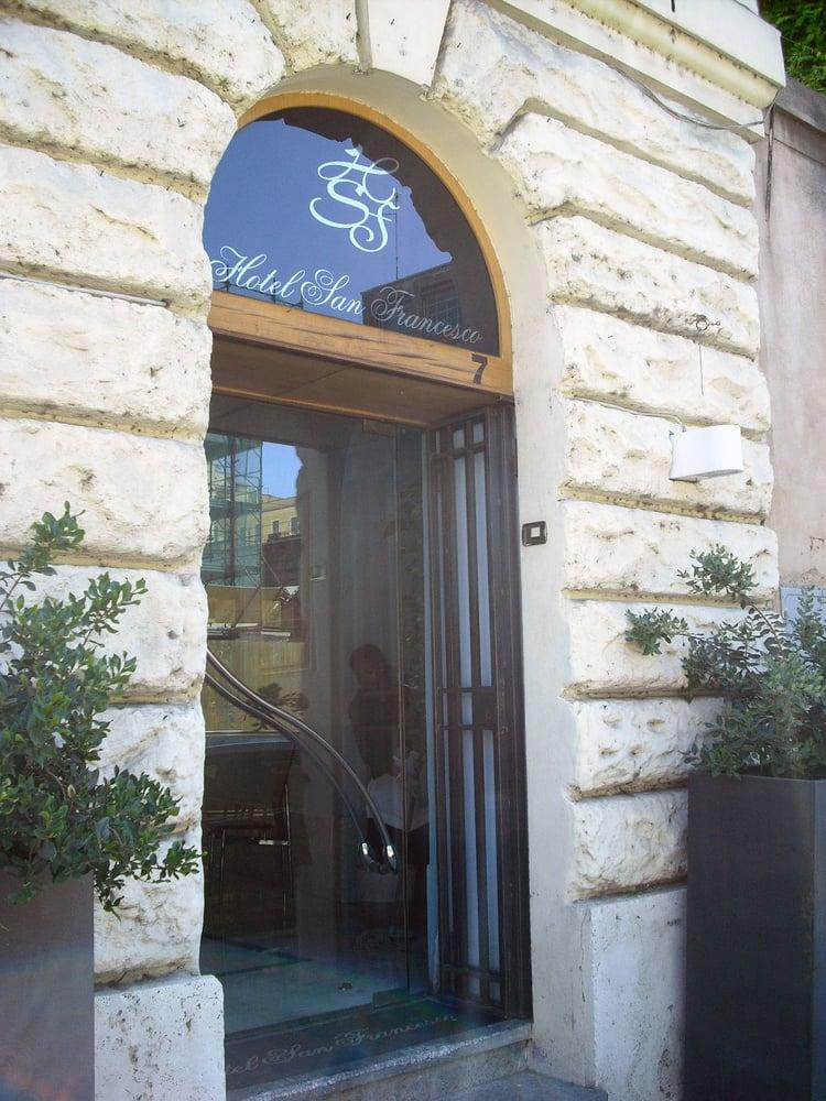 Hotel san francesco hotel via jacopa de 39 settesoli 7 - Finestra su trastevere ...