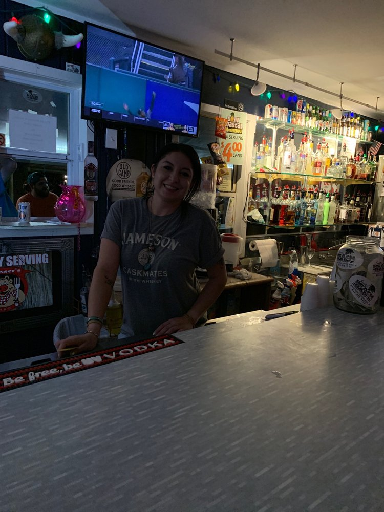 Scotty's Beach Bar: 15 S Ocean Blvd, Surfside Beach, SC