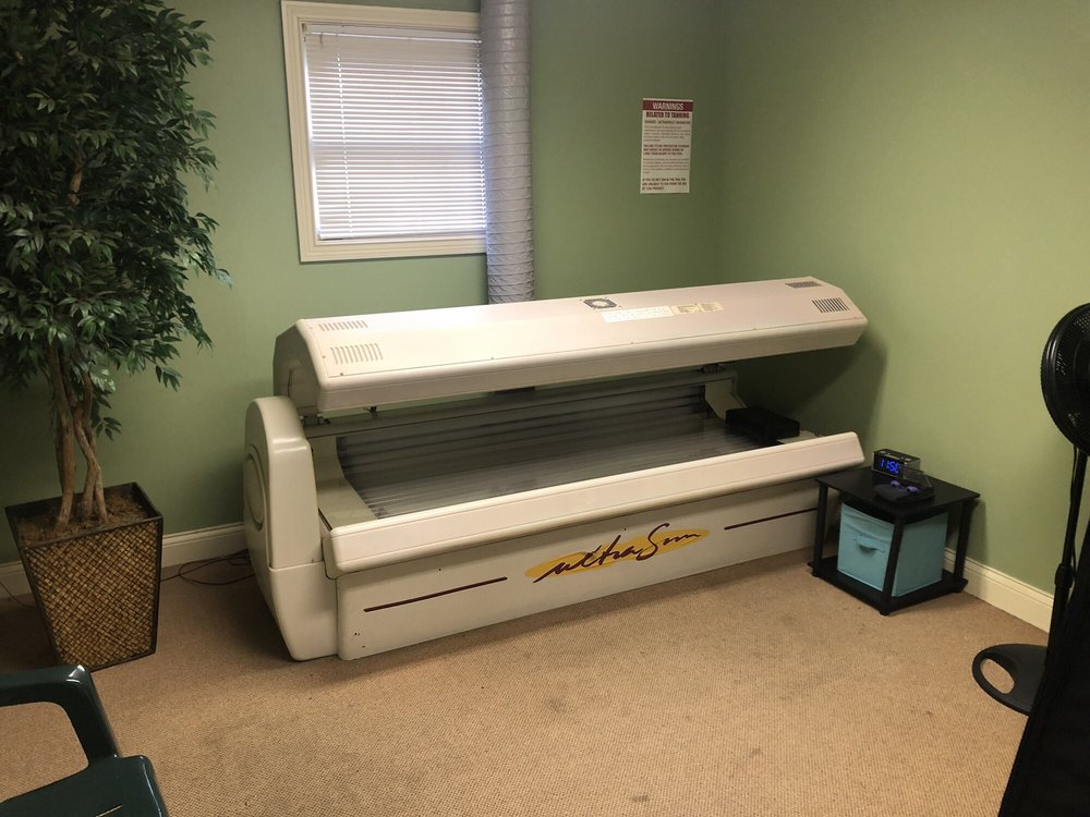 Sunkissed Tanning Salon: 701 Hillview Dr, Corydon, IN