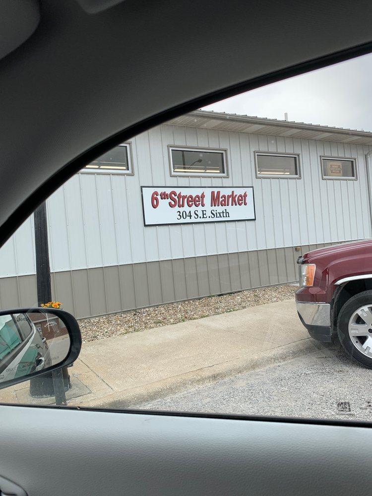 6th Street Market: 304 SE 6th St, Morrisonville, IL