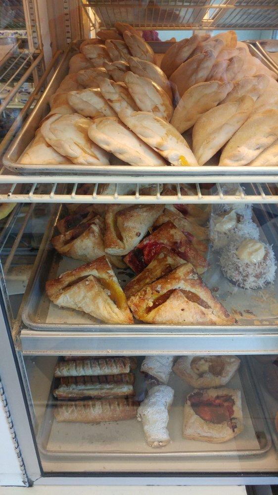 La Fortuna Bakery: 11286 Merritt St, Castroville, CA