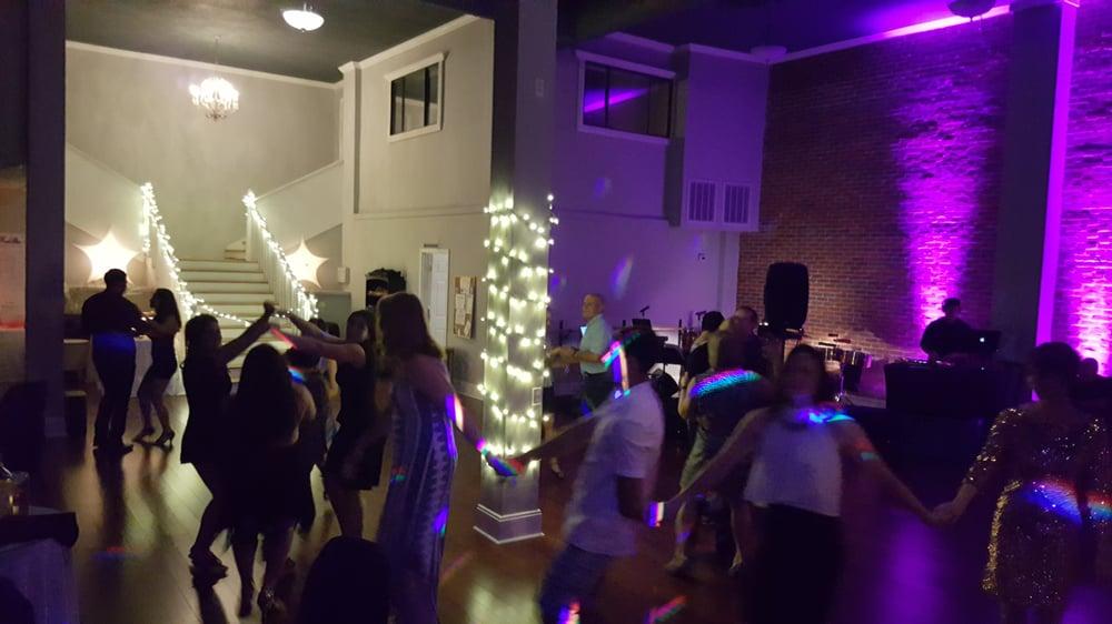 Elegant Vue Event Center: 544 N Main St, Crestview, FL