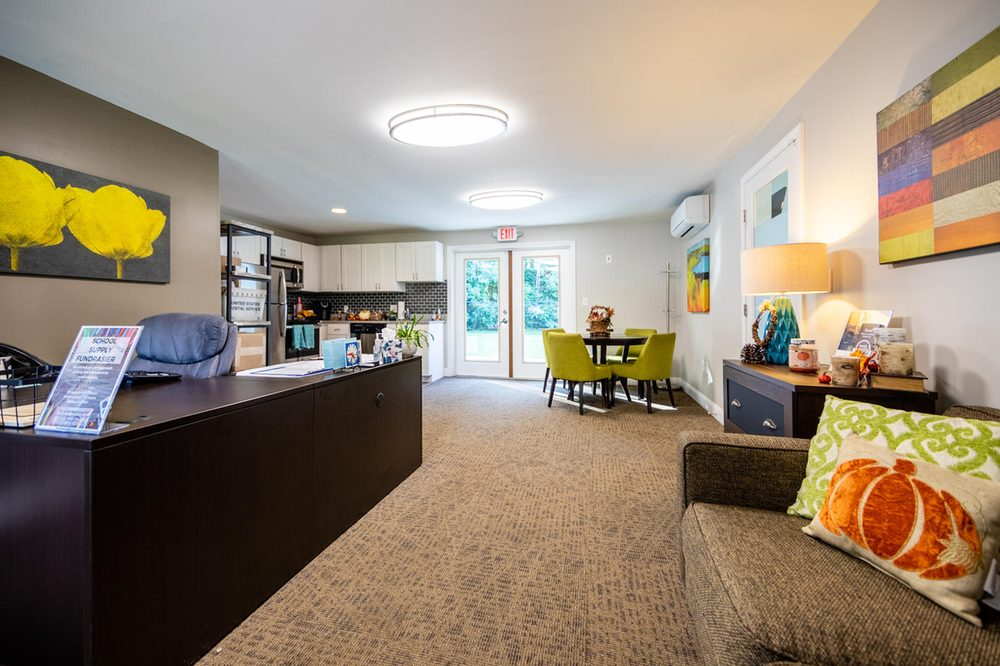 Princeton Dover Apartments: 8 Northway Cir, Dover, NH