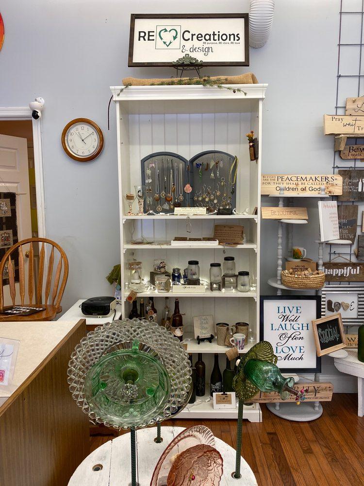 Berryville Treasures: 8 W Main St, Berryville, VA
