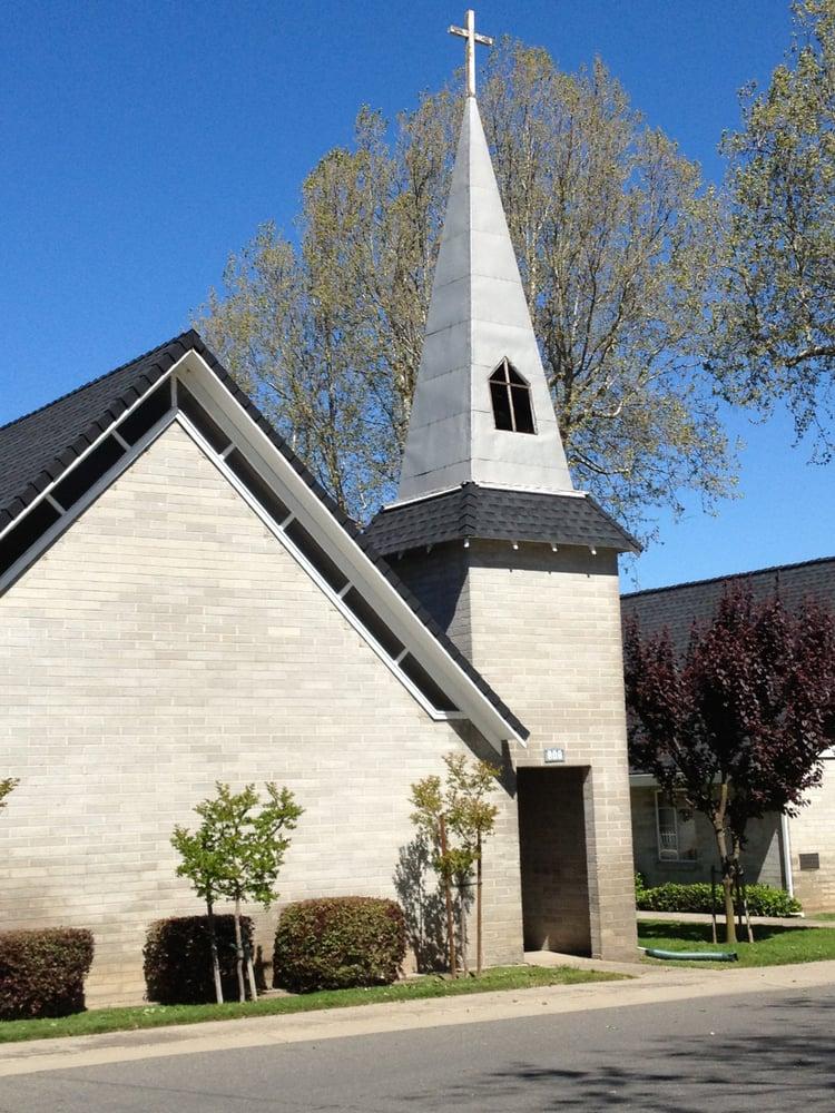 Courtland Baptist Church: 147 Primasing Ave, Courtland, CA