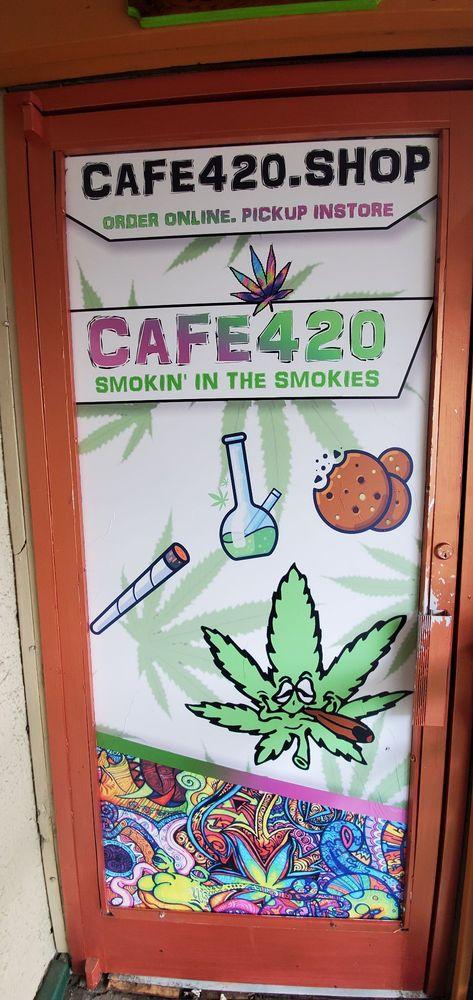 Cafe420: 747 Pkwy, Gatlinburg, TN