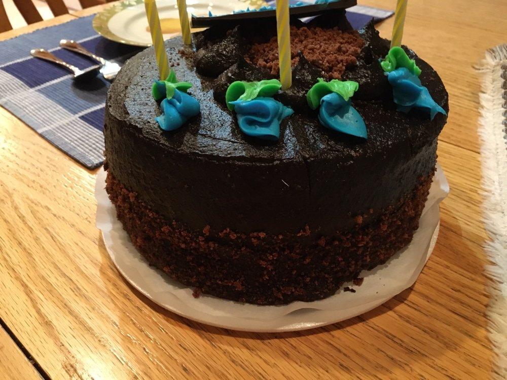 Wall's Bake Shop: 1336 Broadway, Hewlett, NY