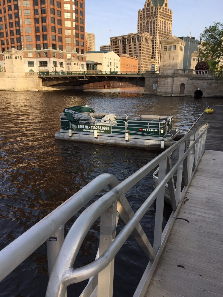 Riverwalk Boat Rentals & Tours