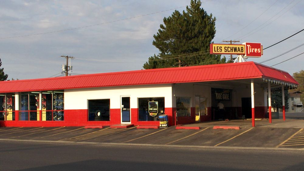 Les Schwab Tire Center: 211 Spokane Way, Grand Coulee, WA