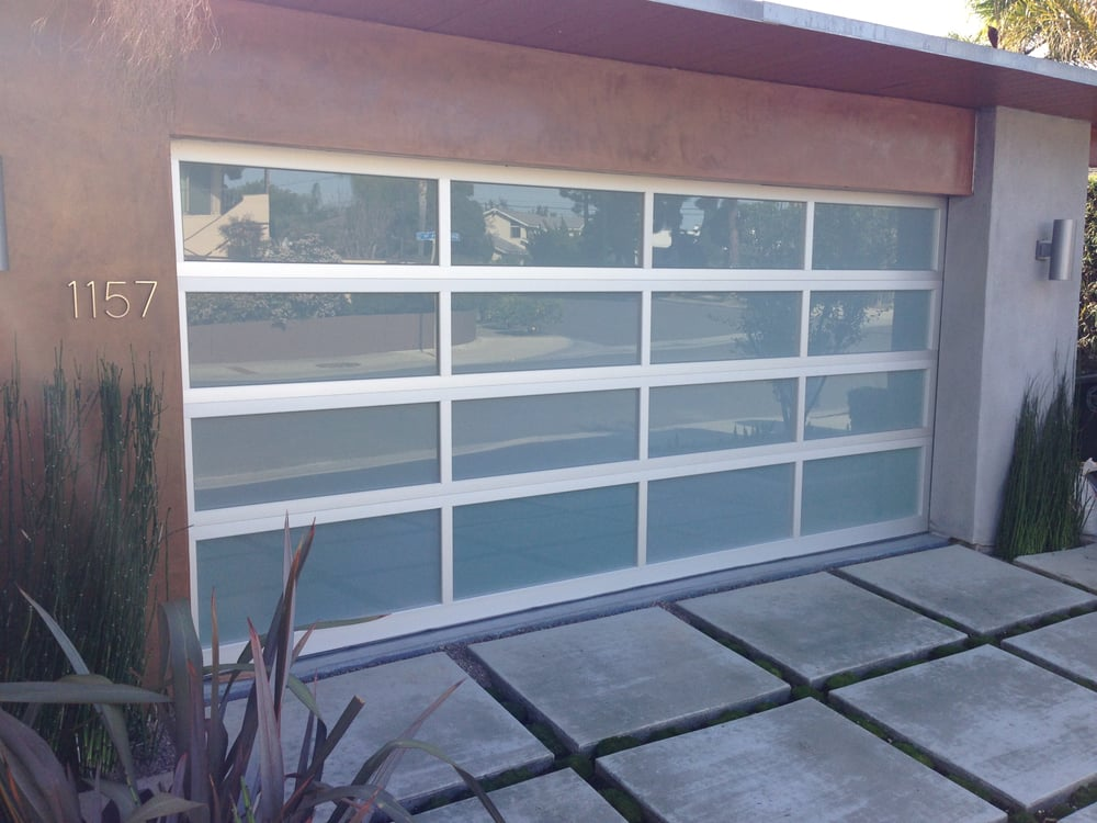Clopay garage door avante collection modern design for Buy clopay garage doors online